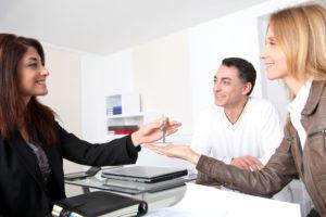 Как переоформить квартиру на бывшую жену после развода
