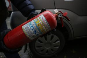 Пдд нужно ли возить аптечку огнетушитель